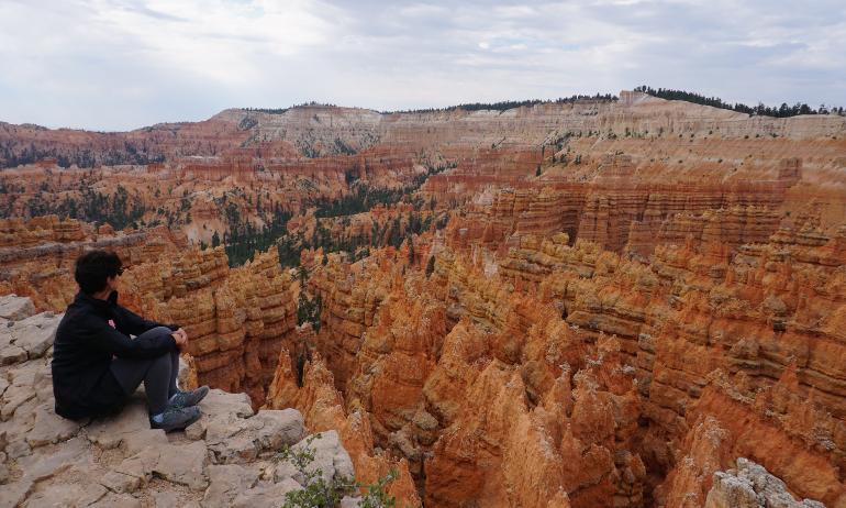 contemplando bryce canyon