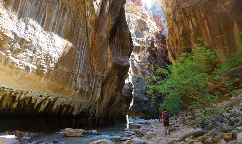 caminando por el cañón del río