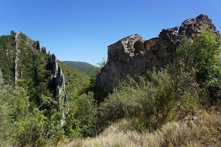 Ruinas de la ermita de San Vicente sobre la muralla
