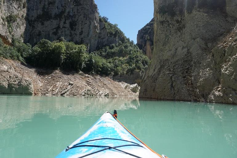 En kayak por el embalse