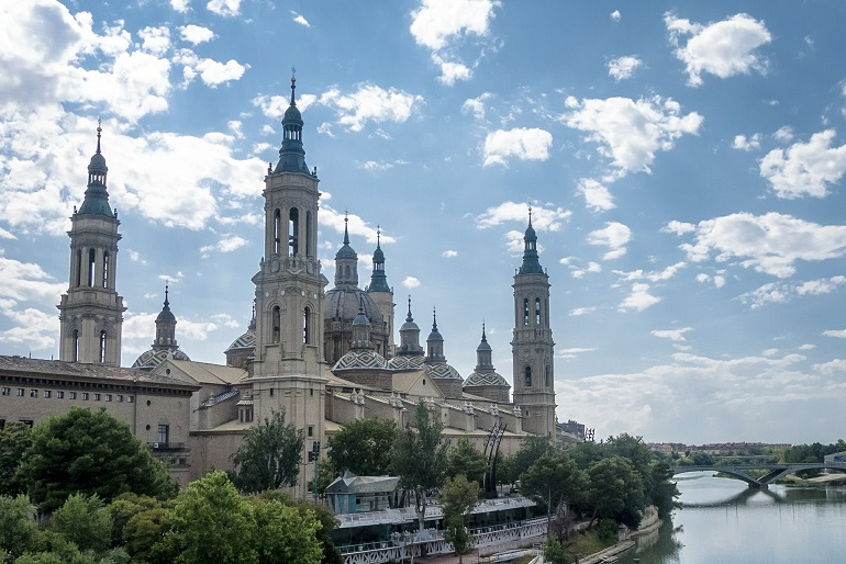 Vista de la basílica de El Pilar en Zaragoza