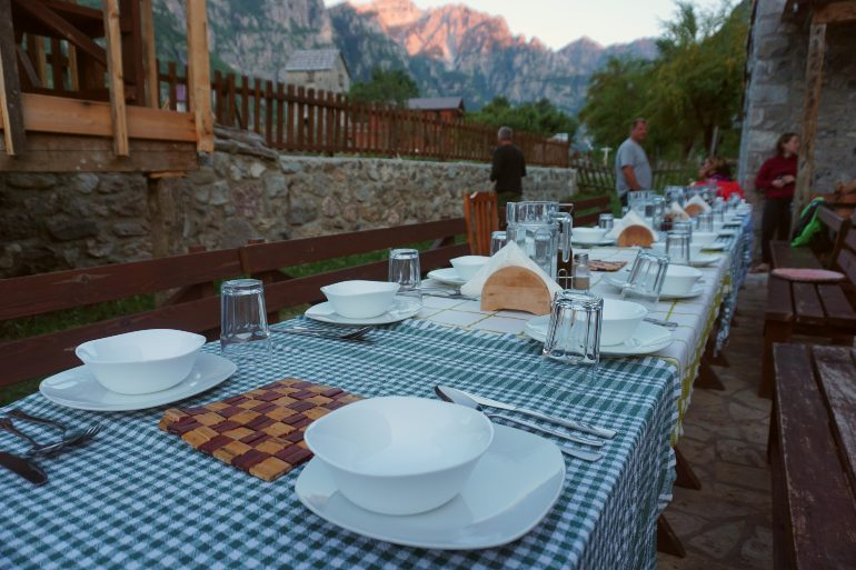 Cena en la Guesthouse Shpella