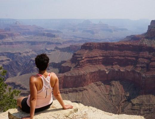 contemplando el gran cañón