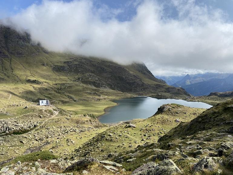 lac gentau y refugio de ayous