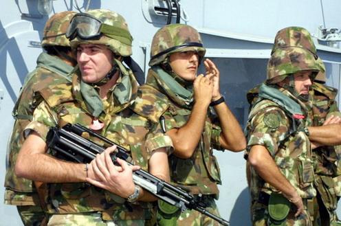 Militares. (Foto de archivo)