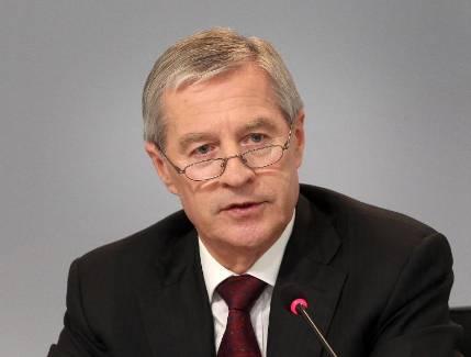 Le PDG de Deutsche Bank, Jürgen Fitschen, le 27 avril 2015 à Francfort - Daniel Roland/AFP