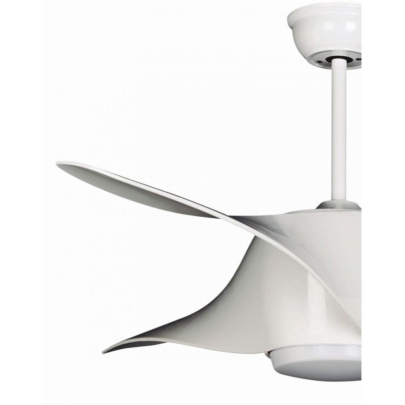 un ventilateur de plafond design
