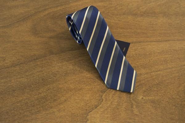 Cravatta a righe fondo blu mod. 181