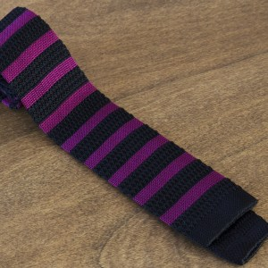 Cravatta in maglina a righe fondo nero/bordeaux mod. 315