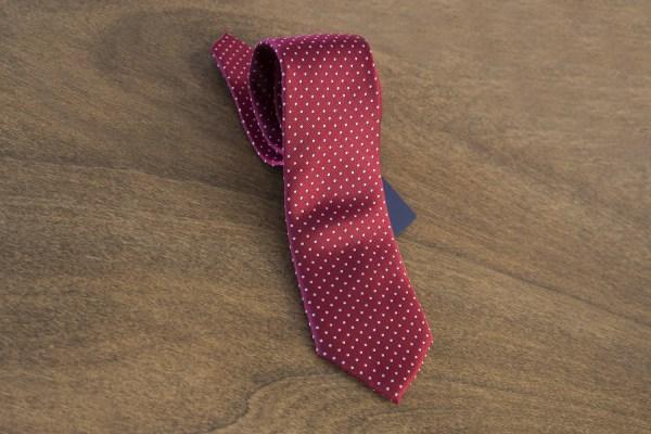 Cravatta a pois fondo rosso mod. 082
