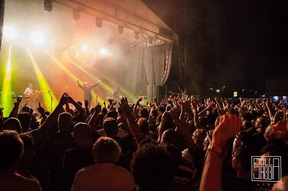 Madness in Italia, il pubblico al concerto di Igea Marina