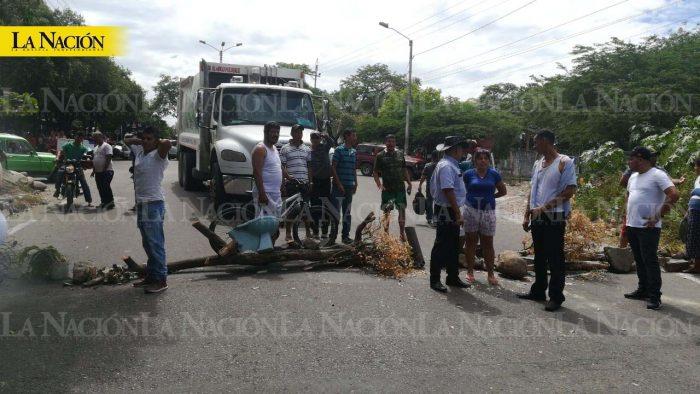 Habitantes del barrio Galindo bloquean vías en el norte de Neiva 1 16 febrero, 2020