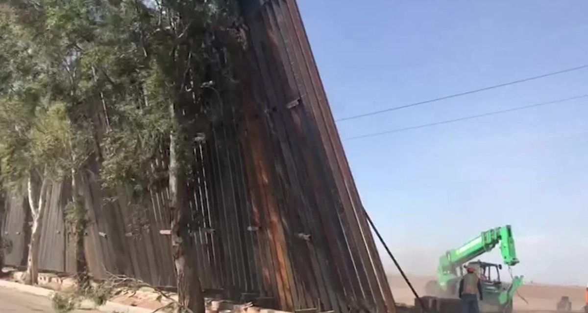 Twitter mocks Trump after his 'impenetrable' border wall suffers an embarrassing fail