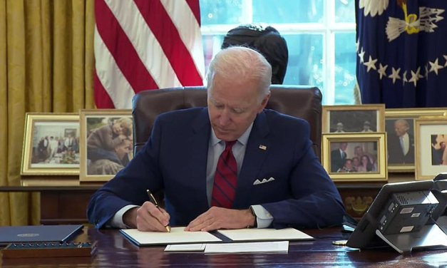 Biden executive order will make it easier for Americans to vote
