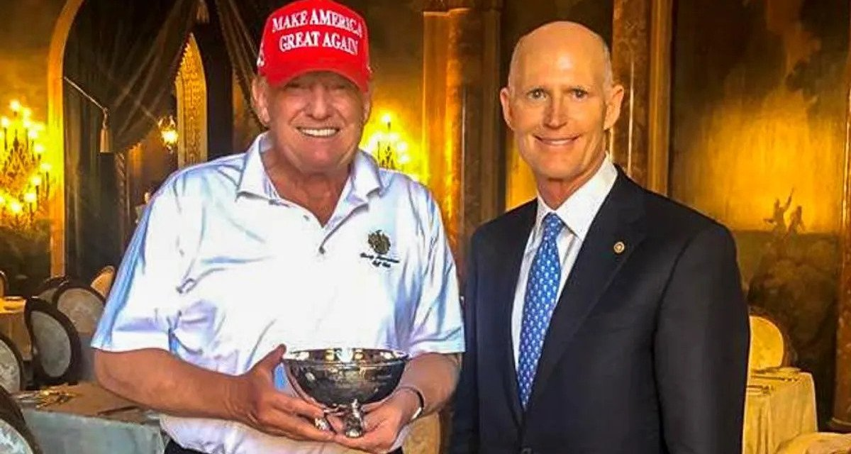Trump gets endlessly mocked after accepting pathetic 'participation trophy' from Sen. Rick Scott