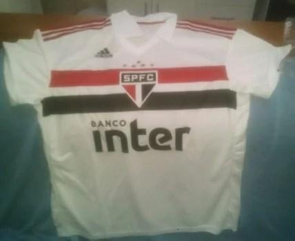 Vazou  Supostas camisas do São Paulo – Adidas vazam na internet ... 45ca31e736ac4
