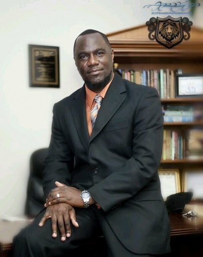 Pastor Damon Richardson