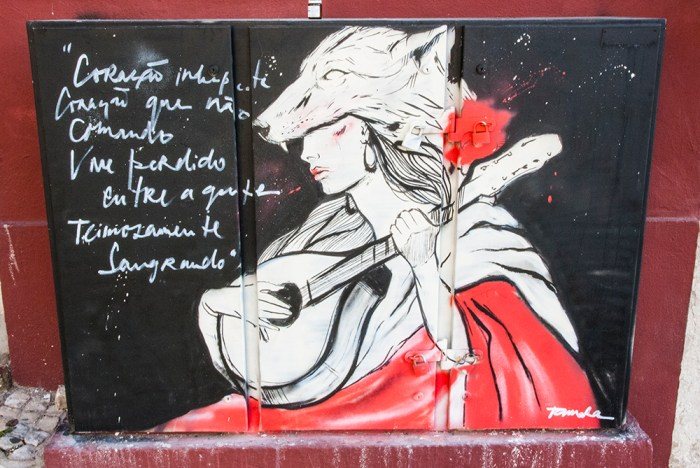 wolf and woman street art Lissabon