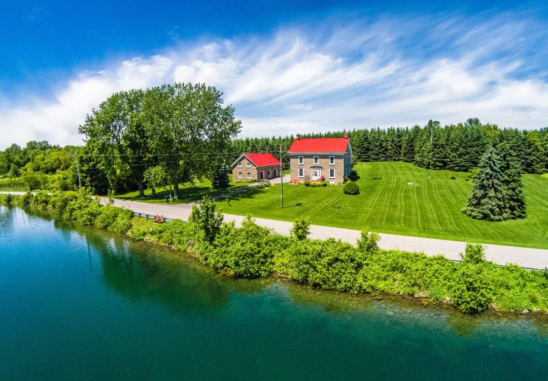 Niagara on The Lake Country House