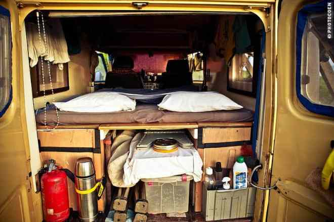 Perfect Bed in the Land Cruiser (©photocoen)