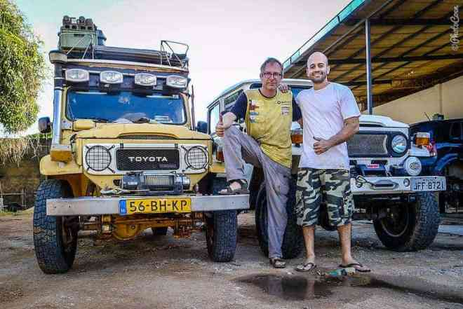 Coen and Elmer after they fixed the Warn winch [©photocoen]