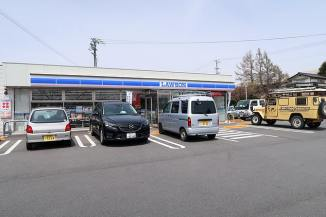 Lawson convenience store in Japan (©photocoen)