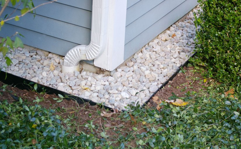 Keep Dirt and Mulch Off Your Siding