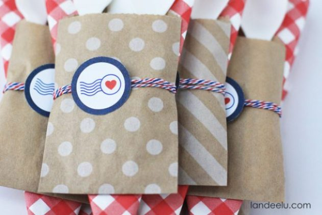 Fourth of July Party Decor: Patriotic Utensil Holders-- so cute!