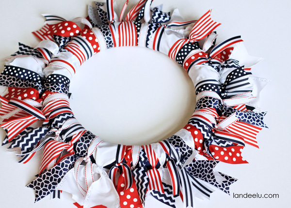 Patriotic Ribbon Wreath from Landeelu