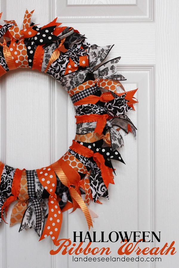 Halloween Ribbon Wreath from landeelu.com