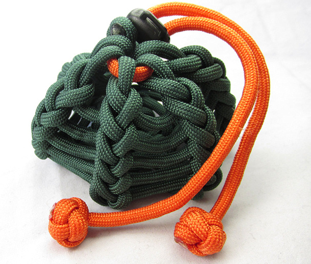 20 crafty paracord projects for Things you can do with paracord