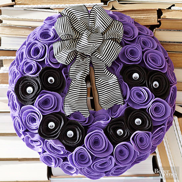 Eyes on it wreath BHG