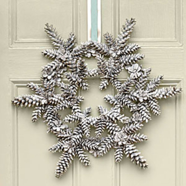 snowy-pinecone-wreath-m southern living