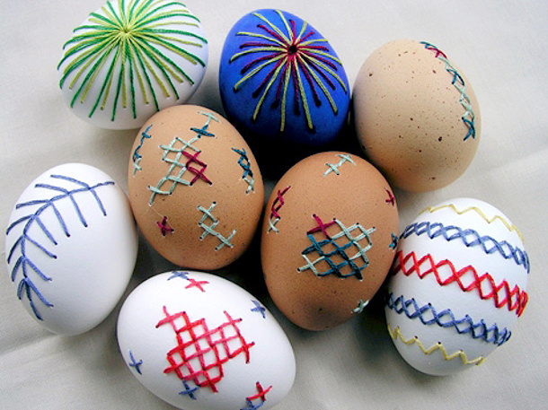 Ebroidered Easter Eggs via design sponge