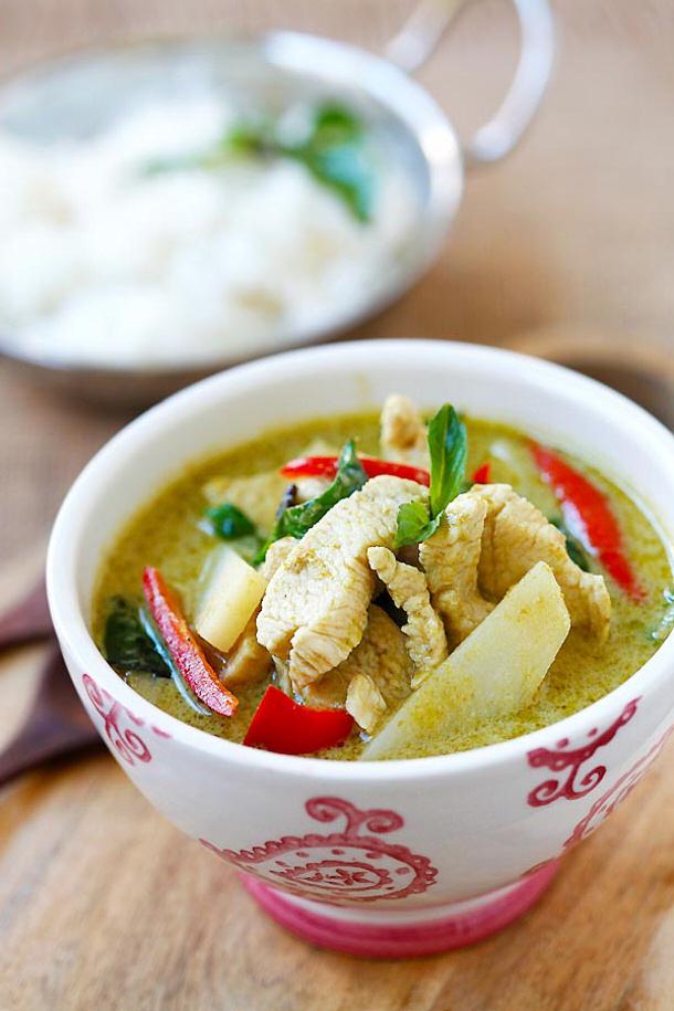 Chicken Curry Recipe - Thai Chicken Green Curry Recipe via Rasa Malaysia