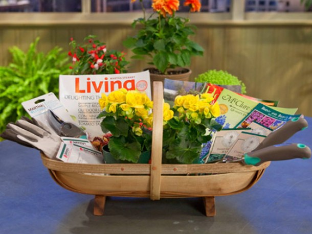 Do it Yourself Gift Basket Ideas for all Occassions - Pretty Gardening Gift Basket -This would be so fun as a springtime Housewarming Gift via Garden Club - Home Depot