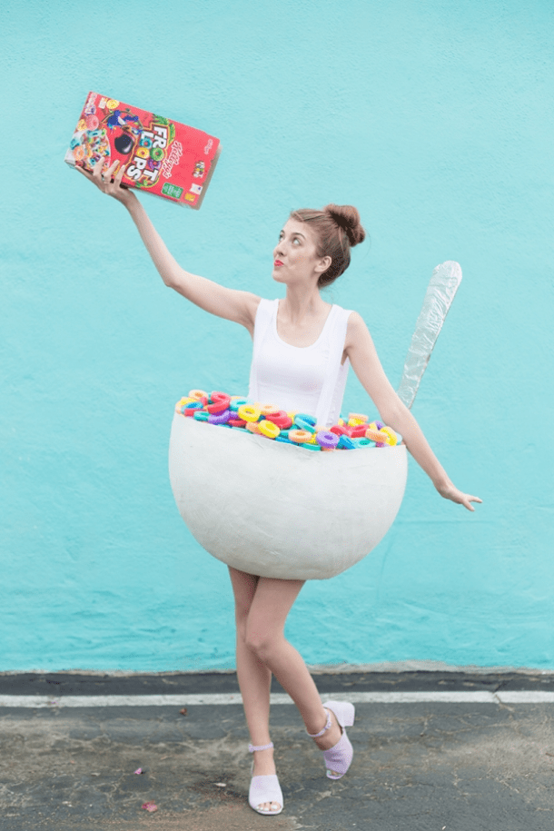 DIY Halloween Costumes Ideas - Cereal Bowl with Spoon Costume DIY Tutorial via Studio DIY