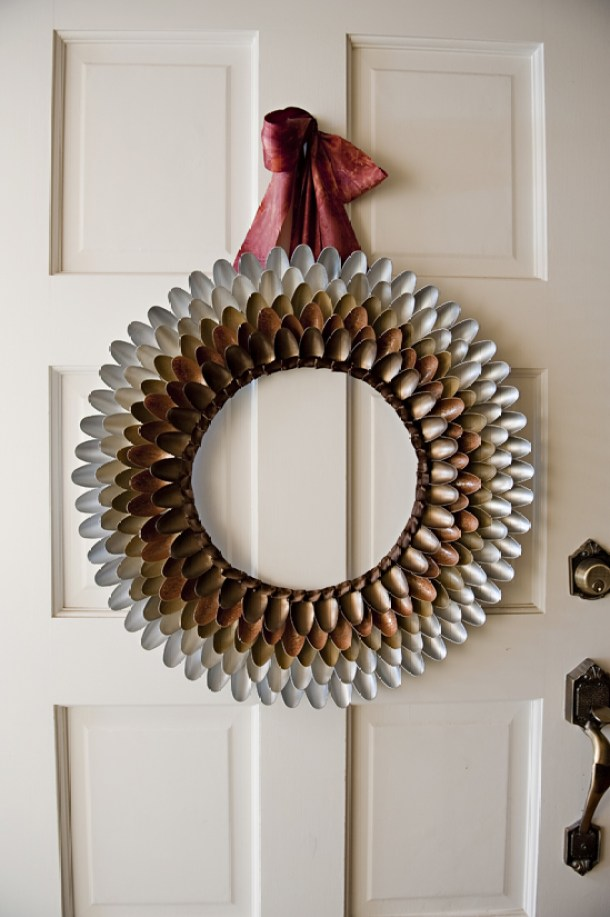 DIY projects ideas - Fall Wreaths - Pretty Autumn Ombre Wreath from Plastic Spoons DIY Tutorial via Fab You Bliss