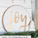 Make these gorgeous JOY DIY Christmas signs with a stencil... so easy! #christmassign #diychristmassign #christmascraft #stencil #joysign