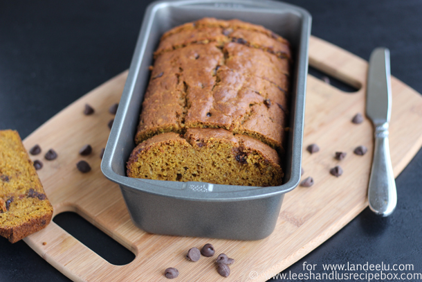 pumpkin-chocolate-chip-bread-18-landeelu