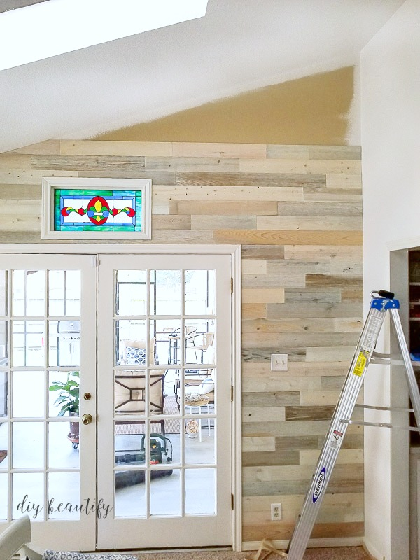 Reclaimed Wood Wall | DIY Beautify