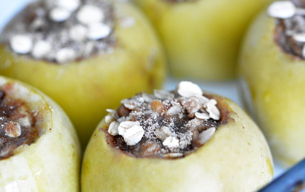 Slow Cooker Baked Apples | Foodie and Wine