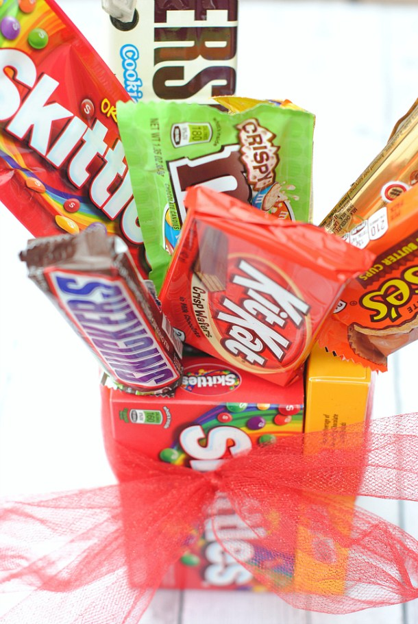 Easy Candy Bar Bouquet | Crazy Little Projects