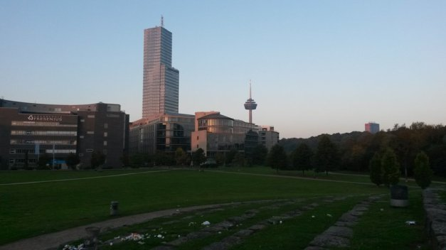 Morgenwanderung durch Köln: Media Park