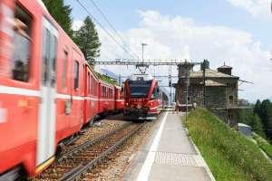 Bernina Express auf der Alp Grüm (© Graubünden Ferien/Stefan Schlumpf)