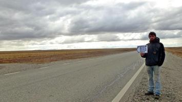 Trampen in Patagonien, zwischen Ushuaia (Argentinien) und Punta Arenas (Chile), Feuerland