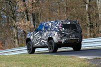 2020-land-rover-defender-shows-up-on-nurburgring_9