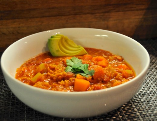 slow cooker paleo buffalo chicken chili