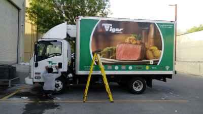 Rotulación de camión Isuzu Vigar Carnes de monterrey