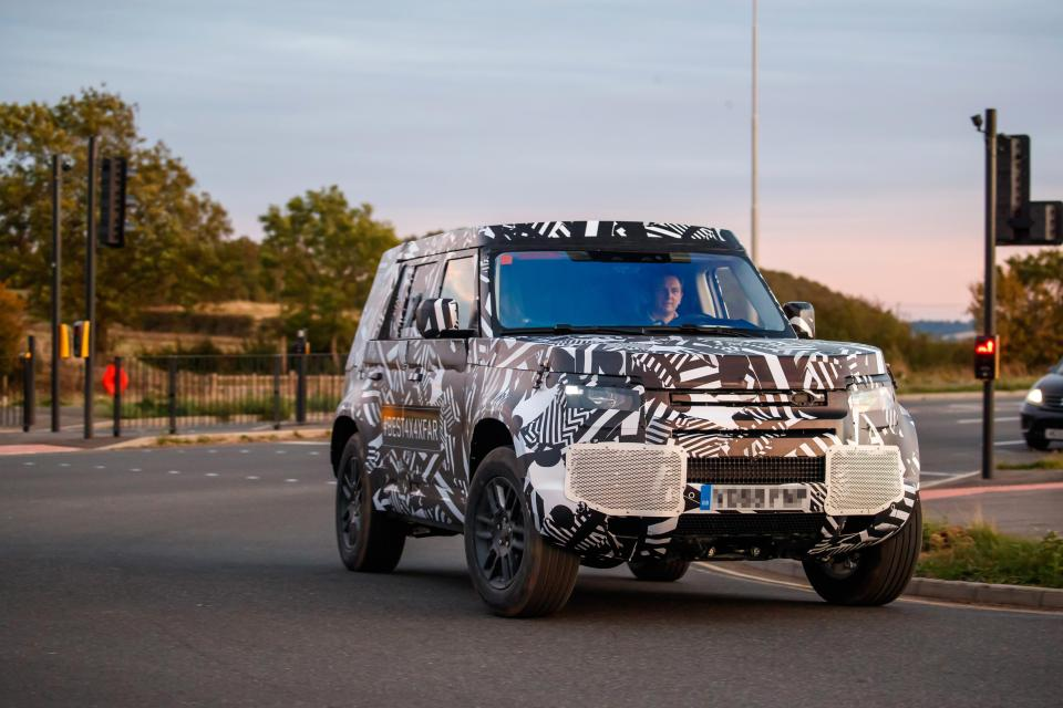 New Land Rover Defender &#8216&#x3B;spyshot&#8217&#x3B; pictures teased at Paris Motor Show
